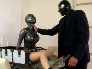 Frank m. And Latex Lucy - Lady In a Footlocker!