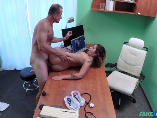 Amy - Patient Orgasms Pussy Juice on Desk (2016)