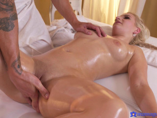 Sandra Bell - Numerous splashing for Czech blond FullHD 1080p