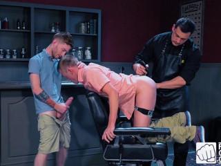 Fisty's Barber Shop, Scene #01