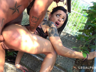 Brutal fuck with DP for little anal monster Holly Hendrix