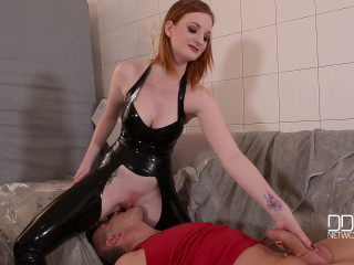 Zara DuRose - Lazy Craftsman - Red-Haired Dominatrix Abases Tiler