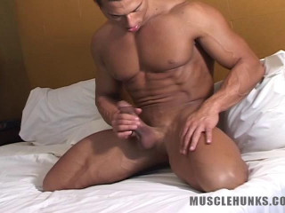 MuscleHunks - Rico Elbaz - Giant Behind Zipper, Part 2