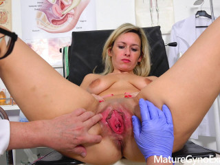 Real fucking machine orgasm of timid blond Cougar in gynecology stool FullHD 1080p
