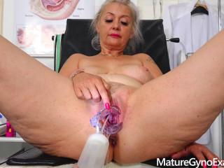 Dirty vaginal check-up of sexy busty GILF Veronique