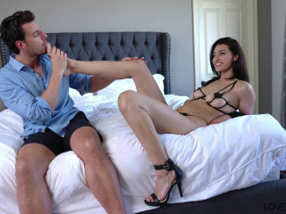 Bella Rolland - Feet Sex Delivery FullHD 1080p