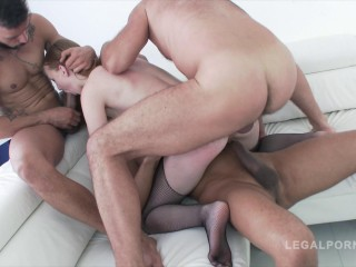 Linda Sweet Triple Penetration Session