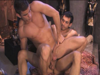 Gangbang blockbuster with muscle males