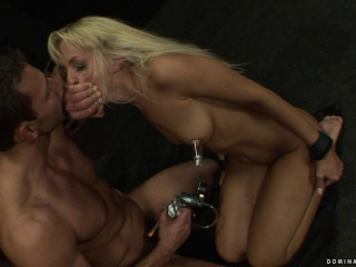 Siouxsie Milcah - Domination HD