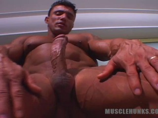 MuscleHunks - Jeff Fleming - A Very Special Show