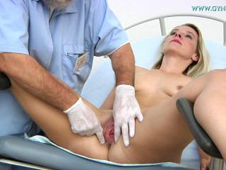 Bianca Ferrero Obgyn Examination 31 years (2017)