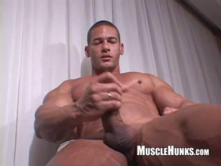 MuscleHunks - Claude Carroll Solo
