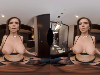 Porn Star Syren De Mer gives you the experience of a lifetime - 3D