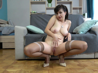 slim big tit mature masturbates with dildo full hd