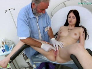 Rebecca Volpetti Legal years gal obgyn exam (2016)