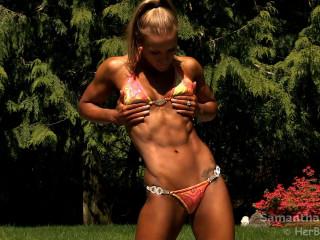 Samantha Theisen - Fitness Model