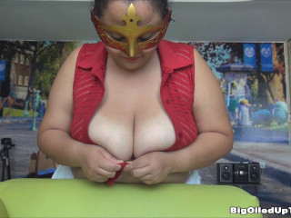 busty spanish slut miranda oil her tits