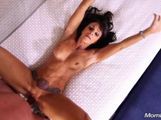 Laila - Spectacular Brunette Cougar's 1st Porn - Oct 05, 2017