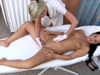 Vanessa 32 years lady gynecology check-up (2016)
