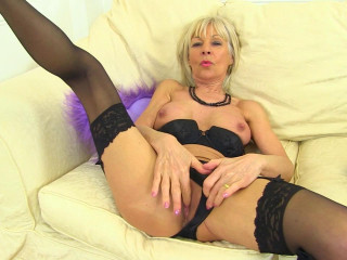 Horny mature elena masturbates at bed hard