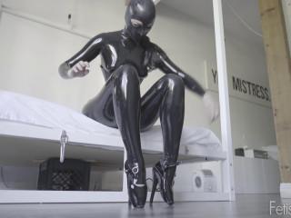 FetishKitsch - Caroline's New Heels