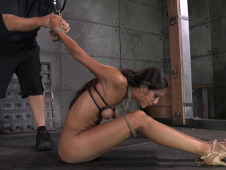Lyla Storm Ferociously Roped In Rigorous Strappado torture