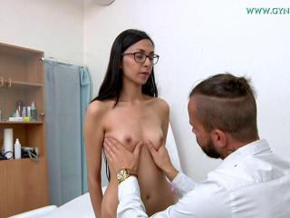 Ashley Ocean (25 years girl gyno exam)