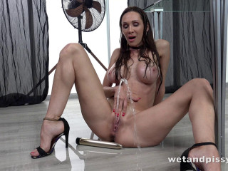 Cynthia Vellons - Dripping Wet MILF