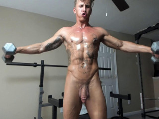 Chaturbate - naked bodybuilder in gym