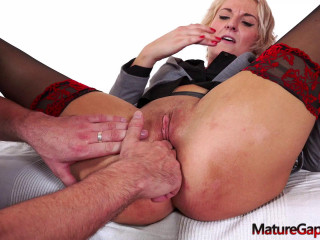 Nicole Star fisting and squirting hard FullHD 1080p