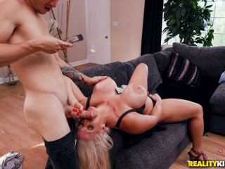 Alura Jenson - Putting Her Thickness On Display
