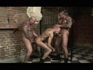 Punks Vs. Skinheads
