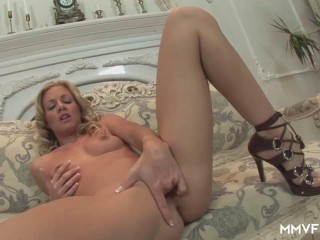 Solo mature wifey
