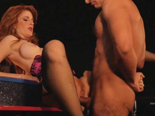 Dello strip club