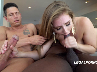 Russian babe Lena Paul fucked hard by 2 dicks with DP