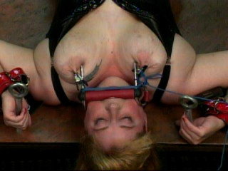 Would you enjoy witnessing Sapphire railing a fuckfest machine wearing highly strenuous nip forceps