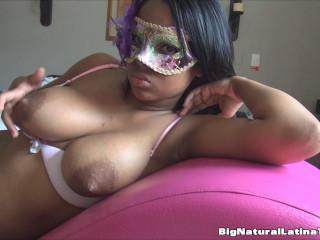 big boob ebony lina relaxing