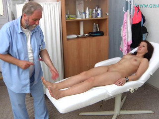 Daria - 20 years woman gynecology check-up