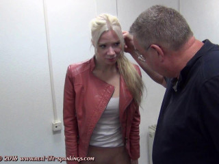 The first-ever slapping of Vanessa from Sweden.