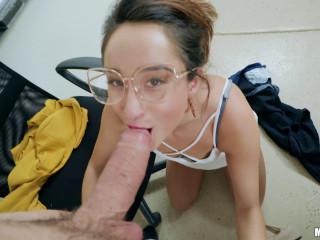 Isabella Nice - She's My Teacher