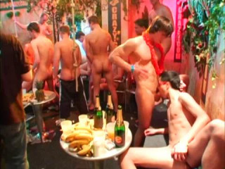 Pacific Gangbang With Crazy Men