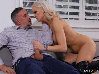 Kenzie Taylor - Blonde Domme Ination FullHD 1080p