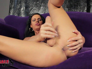 Lina Cavalli & The Black Dildo