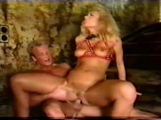Maximum Perversum vol.28: Sklavin der Leidenschaft (1992)