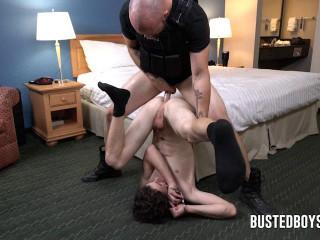 Steele fucks Logan Reiss' asshole (480p)