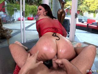 He Lubricated Her Jummy Arse and Ravaged Her Steaming Fuck-holes