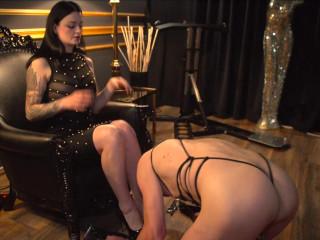 Bizarroness Alissa Noir - Penetration Play