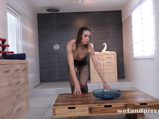 Jessica Bell in Powerful Piss Streams