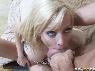 Hot Action With A Blonde Lady At A Party