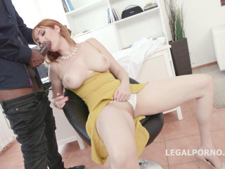 Lauren Phillips gets Mike with Big Gapes